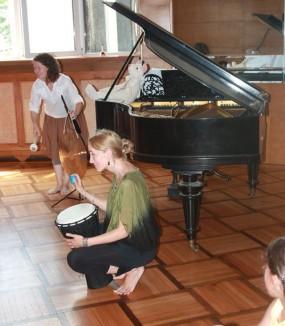 Ateliere de inițiere muzicală pentru viitoare mămici